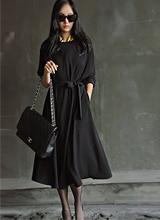 Black dress <font color=9A9A9A><br> Black label <BR> I got one of them out!</font>